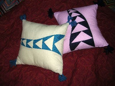 A quilt project, 'Purple Snake in the Grass Cushions,' by Joy-Lily. Click to enlarge.